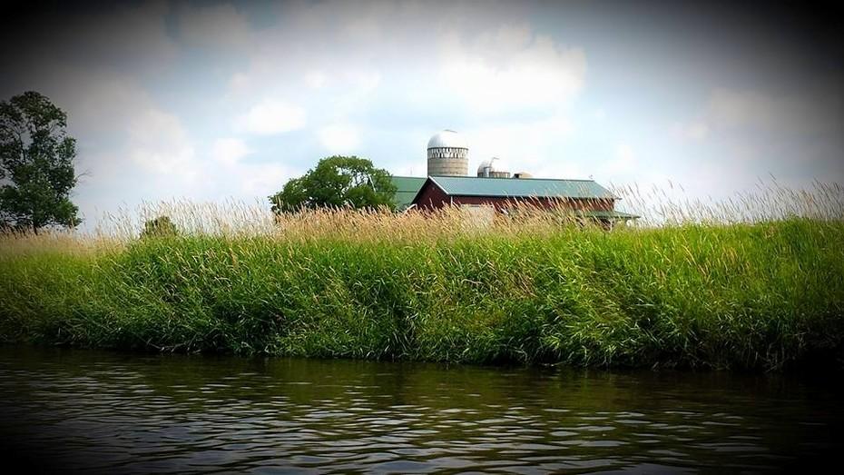 Barn on the Oconto River, Oconto Cty, WI