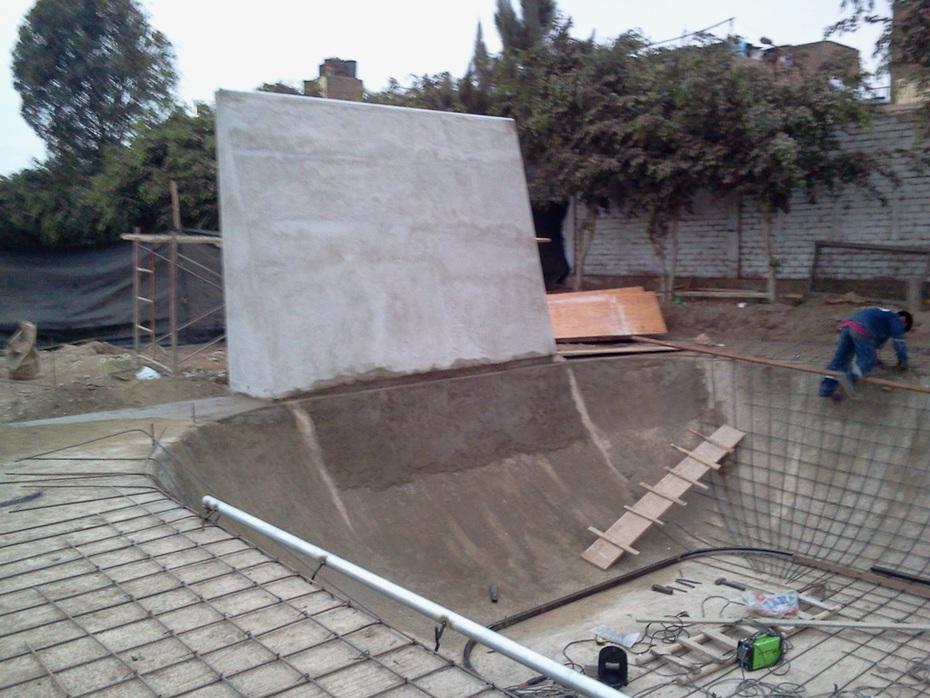 """SKATEPARK SAN MARTIN DE PORRES -POZA CON """"WALL RIDE"""" 2011-07-02"""