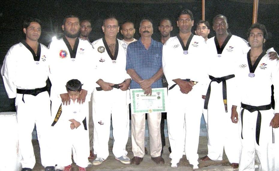 Group Pic with Mr.Ahmed Ali & Grandmaster Zubairi