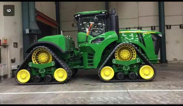 Is this a John Deere Proto Type Quad Tracked Tractor?