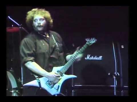 Mountain-Mississippi Queen (live in Paris,1985)