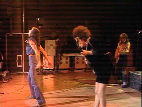 AC/DC 10-27-1977 London, England {Full Concert}