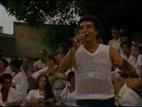 João Nogueira canta mineira no clube do samba (Histórico)