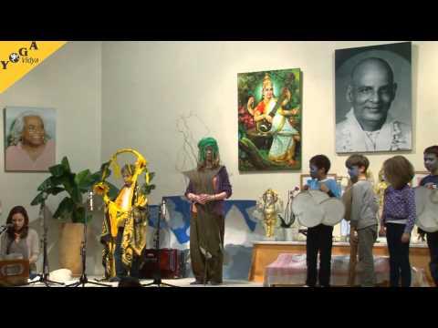 Kongress Video: Kindergruppe  führt den Regenbogenbaum auf