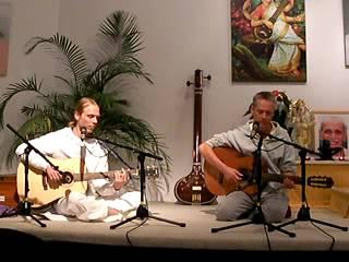 Mantra-Singen: Guru Deva Ki with Vishwanath and Thomas