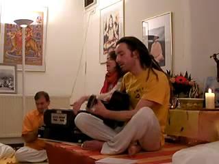 Jaya Mata Kali - Mantra-Chanting im Haus Yoga Vidya Nordsee