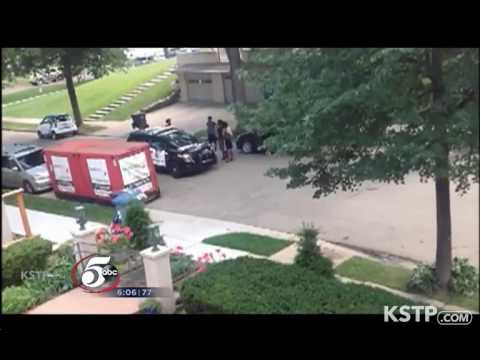 MOB Of angry Muslims ravage through US neighborhood threatening to rape women