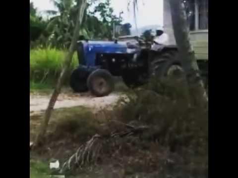 Moving the house before Hurricane Mathew Comes  -  Jamaica