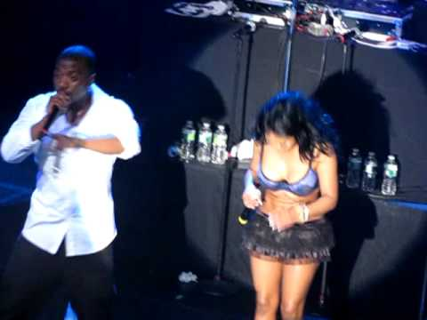 Lil' Kim & Ray J Take Shots at Nicki Minaj [KidduNot.com]