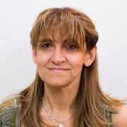 Beatriz Artesi