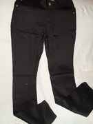 calça intermediária perna justa