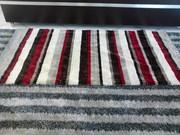 Tapetes polyester listrados
