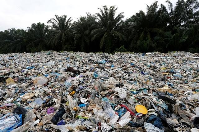 Reuters: Malaysia, flooded with plastic waste, to send back some scrap to source