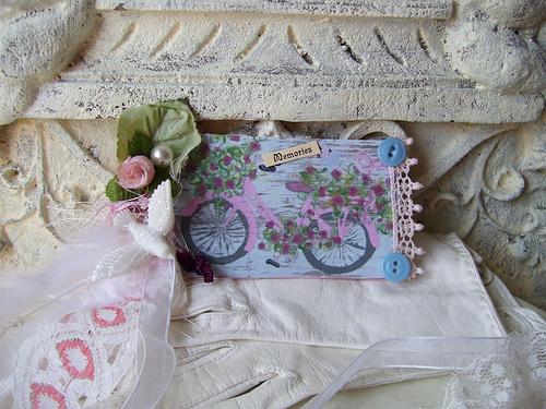 """Pink Bike n Roses"" Art Tag"