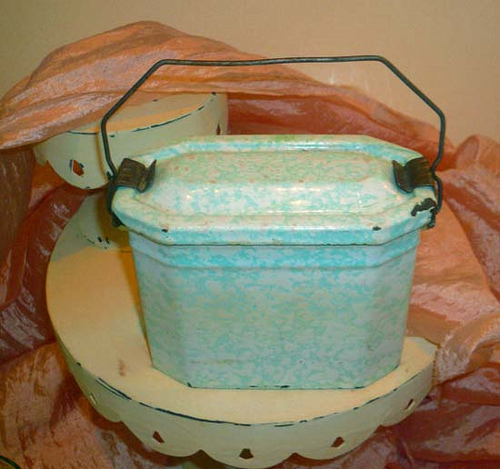 .Vintage French Enamel Aqua Blue Graniteware Lunch Pail