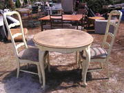 Dining set..table needs love..$60.