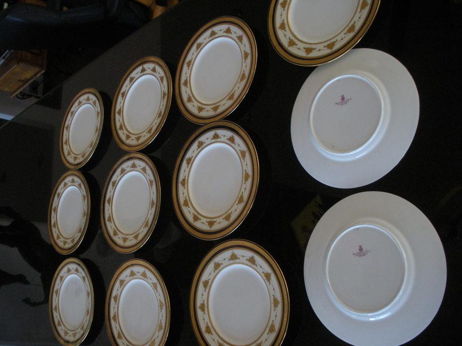 DSCN2851 Antique Minton Plates, 12' in set