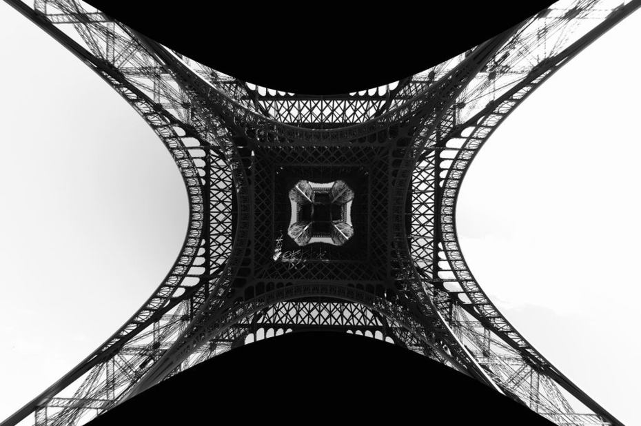 2007-07-20 - Paris, FR - Eiffel Tower, JimMcKinney Style