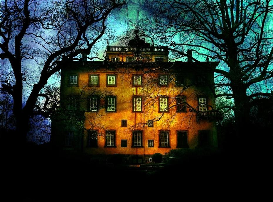 Villa of Shadows
