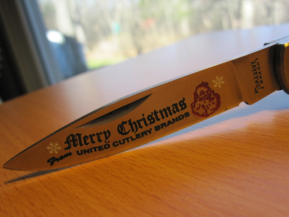 Tomahawk Brand Merry Christmas Lockback 4