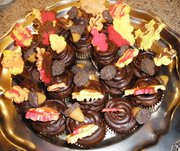 Chocolate Contest - Leaf Wreath Cupcake Tray