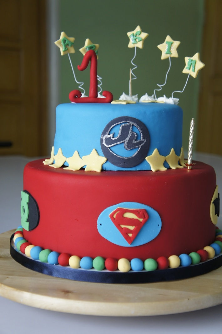 Awesome Justice League Themed Birthday Cake Cake Decorating Community Funny Birthday Cards Online Kookostrdamsfinfo