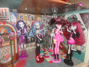 Spectra, Ghoulia, Draculaura & Lilith