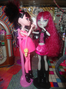 Draculaura & Lilith