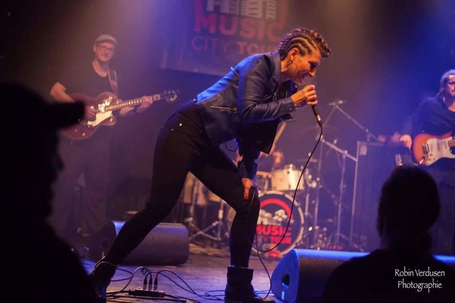 Delphine live show Belgium
