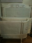 twin beds, antique shabby chic