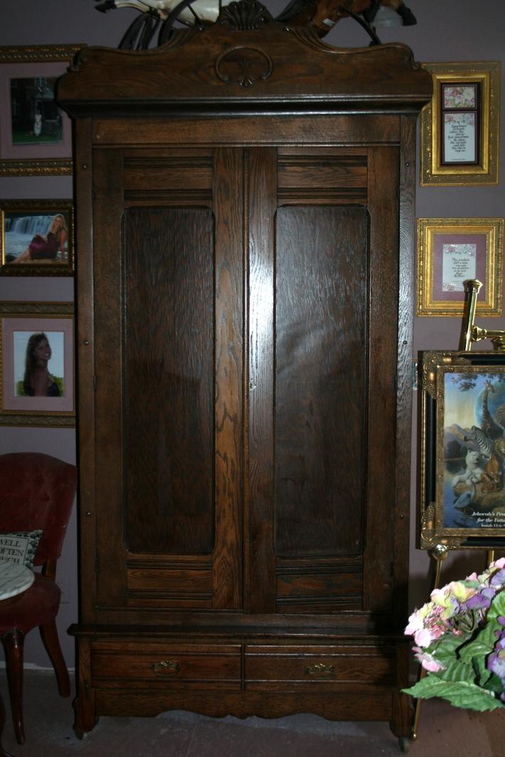 Beautiful 8' Quarter Sawn Oak Armoire