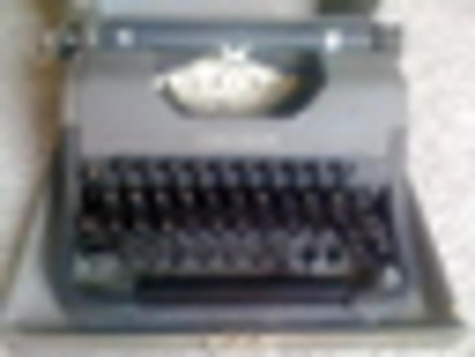 1937 Underwood Leader typewriter
