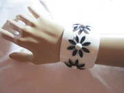 Enamel Bracelet Wide Cuff With Daisys 1960s