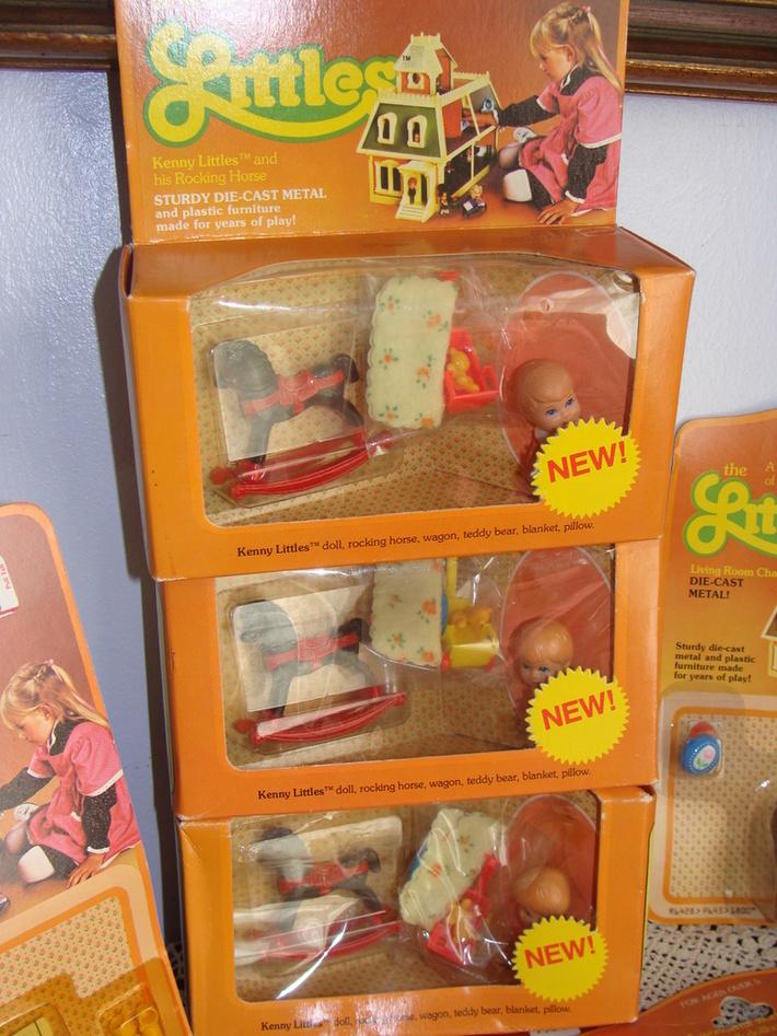 The Littles Mattle - vintage Dolls and Furniture