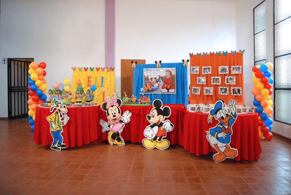 Mesa decorada de Mickey