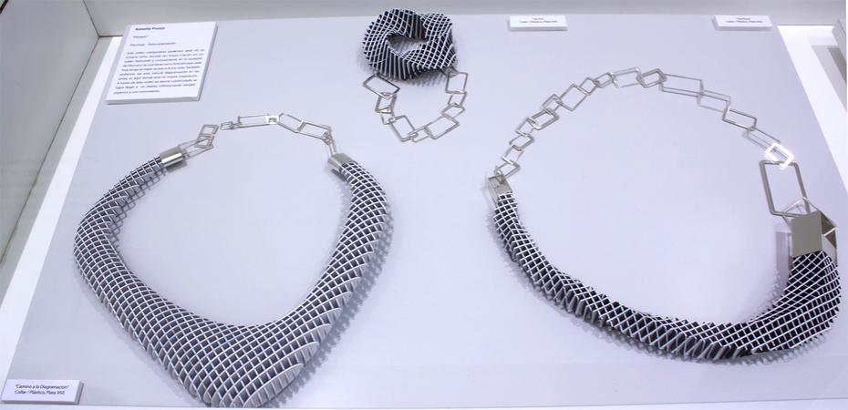 Jewelry : Rafaella Pruzzo
