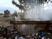 Incendio en un contenedor de basura... puaj