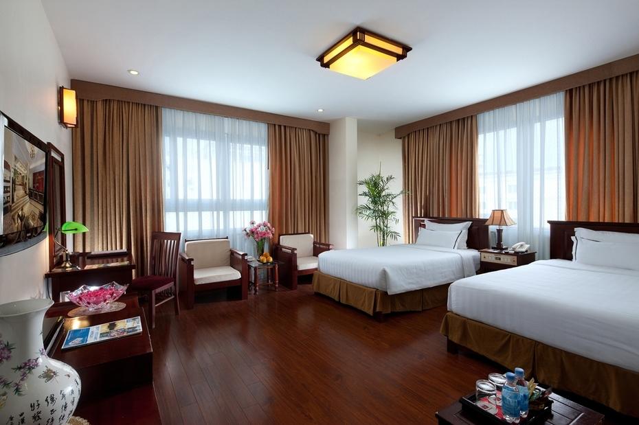 Deluxe Twin room in Hanoi Imperial Hotel