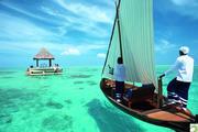 Romantic-lunch-Ocean-Pavillion-Taj-Exotica-Maldives