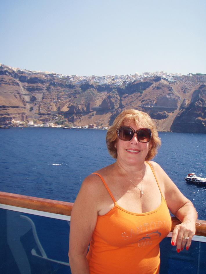 Ann travels the world-Santorini, Greece