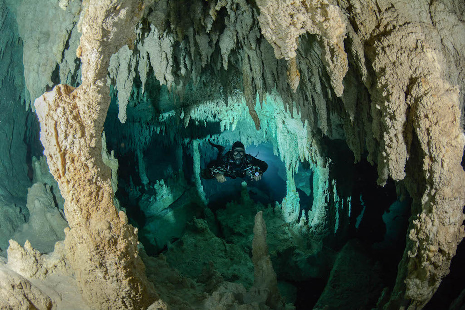 CAVE DIVING19