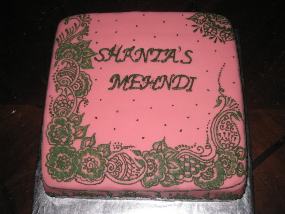 henna design on cake