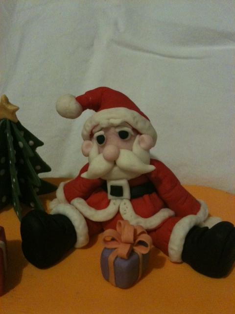 Gumpaste Santa