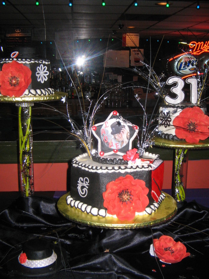 Marvelous Laques 31St Birthday Cake Cake Decorating Community Cakes We Bake Funny Birthday Cards Online Barepcheapnameinfo
