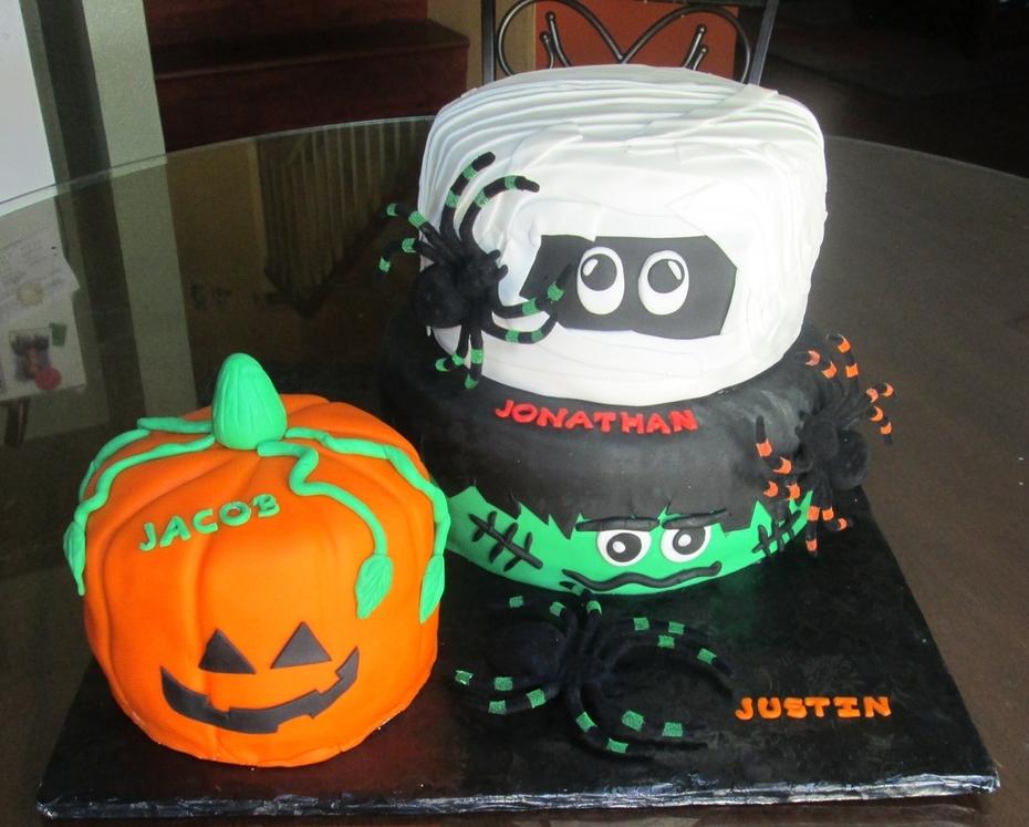 Halloween Birthday cake for three