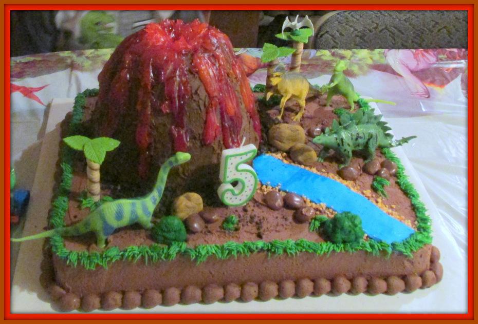 Dinosaur cake with Volcano