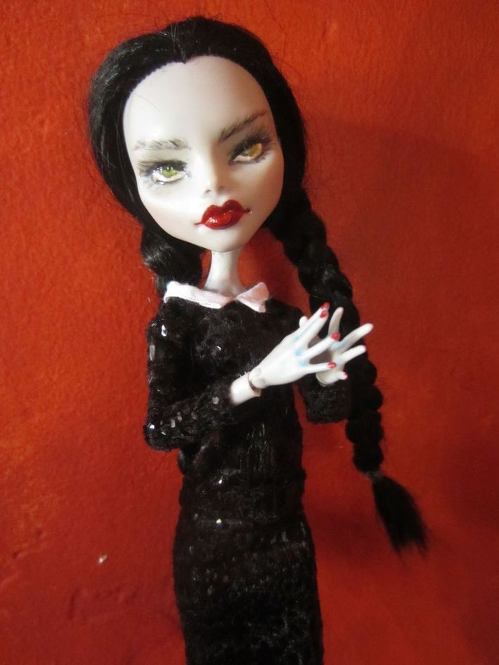 Ghoulia repaint Wednesday Addams