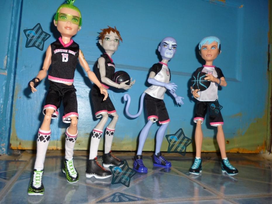 Deuce lead your Casketball Team