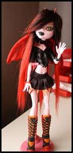 monster high custome dolls :D