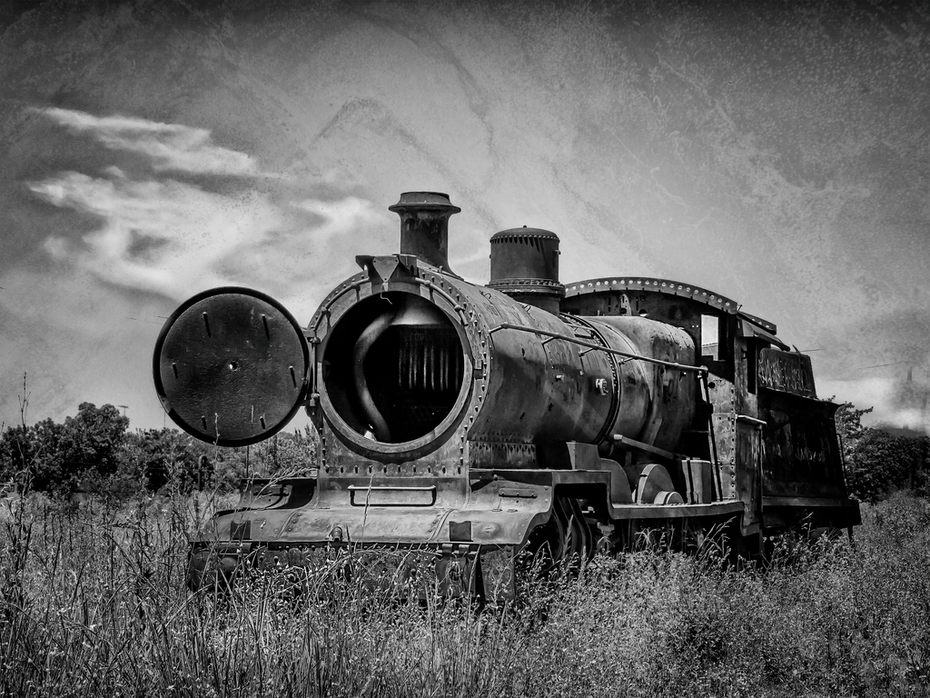 Antigua locomotora abandonada